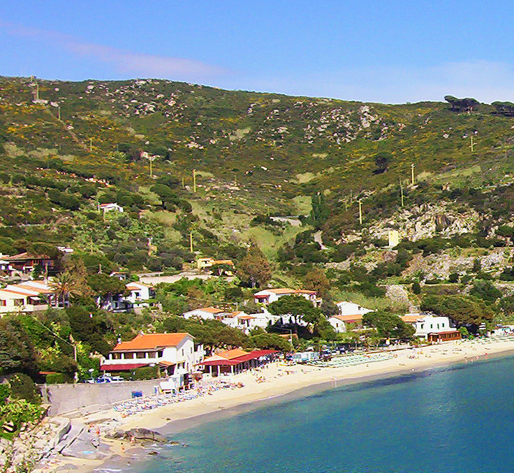 La spiaggia di Cavoli, ma senza happy hour
