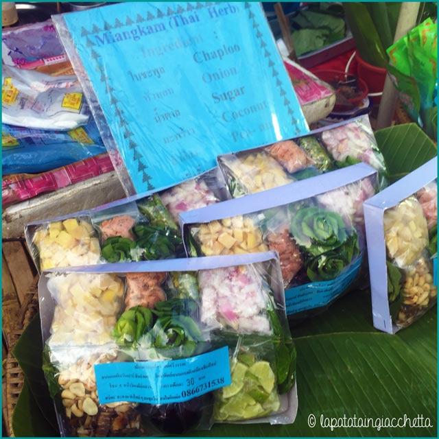 Confezione ready-made per fare il Miang Kham. Occhio al peperoncino, gente.