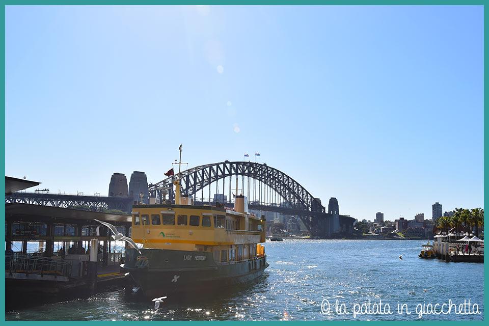 vista di Harbour Bridge e Circula Quay